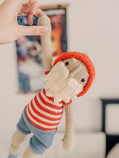 Crochet Patterns Amigurumi, Amigurumi Doll, Crochet Dolls, Crochet Clothes, Toms Crochet, Knit Or Crochet, Etsy Crafts, Yarn Colors, Stuffed Toys Patterns