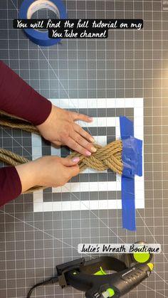 Diy Crafts For Home Decor, Fun Diy Crafts, Wreath Crafts, Fall Crafts, Diy Burlap Wreath, Holiday Crafts, Ribbon Wreath Tutorial, Burlap Crafts, Dollar Tree Crafts