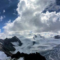 Weil es so schön ist hier noch ein Eindruck vom #Pitztaler #Gletscher - wir konnten uns an diesem Ausblick kaum sattsehen   #landscape #mountains #berge #glacier #austria #pitztal #pitztalergletscher #sunnyday #clouds #awesome #amazing #photooftheday #follow #like #instalove #iphonephoto
