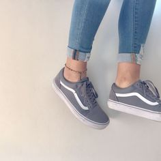 Outfits With Vans – Lady Dress Designs Vans Sneakers, Sneakers Mode, Vans Shoes Fashion, Vans Shoes Outfit, Cute Vans, Gingham Shorts, Aesthetic Shoes, Fresh Shoes, Sock Shoes