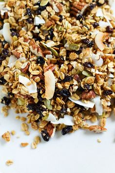 Toasted Oat, Coconut, and Quinoa Granola | http://saltandwind.com