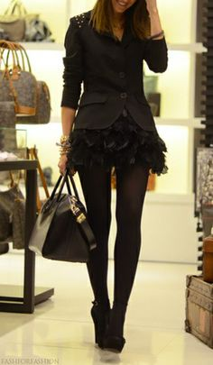 Head to toe black done right and girly! @dezeray we have to shop for this look!!! Can't wait!