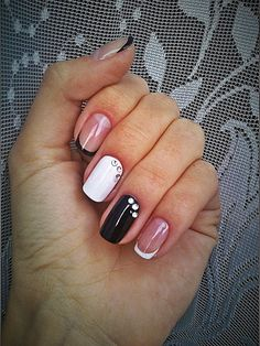 Accurate nails, Beautiful nails 2016, Black and white French manicure, Black and white nail ideas, Black dress nails, Contrast nails, December nails, Fall nails 2016