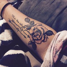 Matching Couple Tattoos Ideas and Designs - Idei tatuaje - Tatouage Date Tattoos, Body Art Tattoos, New Tattoos, Sleeve Tattoos, Tattoos For Guys, Tattoo Neck, Mom Dad Tattoos, Tattoos To Cover Scars, Spine Tattoos
