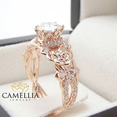 Round Halo Engagement Rings, Rose Gold Engagement Ring, Morganite Engagement, Wedding Engagement, Wedding Jewelry, Wedding Rings, Gold Jewelry, Jewellery Box, Jewellery Shops