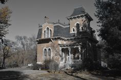 Gothic House in Lawrence Kansas