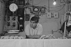 El vendedor de pollo. Pásele, marchante. by Gustavo Martin , via Behance.
