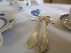 A délutáni kávéhoz terített kávéházi asztal a Chateau Amade Hotelben.