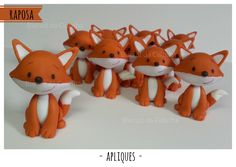 Raposa Biscuit - Pequeno Príncipe Fox Cake, Fondant Figures, Pasta Flexible, Woodland Party, Cake Toppers, Tea Party, Clay, Baby Shower, Baby Boy Shower