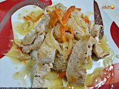 Una espectacular receta con un tradicional escabechado, un plato elaborado con un sencillo y versátil arroz blanco, acompañado de un pollo escabechado. Sencillo de elaborar y con un resultado delicioso Salsa Curry, Cheddar, Chicken, Meat, Food, Teeth, Al Dente, Chicken Patties, Homemade Tomato Ketchup