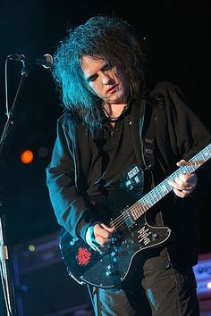 . Beautiful Lyrics, Beautiful One, Chain Of Flowers, Robert Smith The Cure, Goth Music, James Smith, I Robert, Alternative Music, Pictures Of You