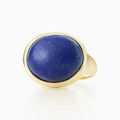 Elsa Peretti® Cabochon ring in 18k gold with lapis lazuli, 15.5 mm wide.