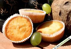 Wunderbar saftige Low Carb Limetten-Muffins mit Kokosmehl. Bio-Kokosmehl von Cosmoveda findet Ihr in unserem Online-Shop unter http://www.foodonauten.de/produkte/mehle-backzutaten/bio-kokosmehl-400g/