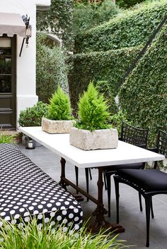 Patio and Deck in Hollywood Hills by Nickey Kehoe Design on Outdoor Remodel, Outdoor Decor, Outdoor Space, Outdoor Design, Outdoor Dining, Outdoor Spaces, Outdoor Living, House With Porch, Outdoor Living Space Design