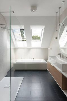 Attic Bathroom Unique Bathroom Attic Ideas With Image .- Dachgeschoss Bad Einzigartig Bad Dachgeschoss Ideen Mit Bilder Von Fenes Badezim… Attic Bathroom Unique Bathroom Attic Ideas With Images Of Fenes Bathroom Im - Loft Bathroom, Bathroom Interior, Modern Bathroom, Small Bathroom, Skylight Bathroom, Bathroom Ideas, Sloped Ceiling Bathroom, Bathroom Ceilings, Design Bathroom