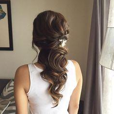 Penteados para madrinhas meio preso com cabelo comprido