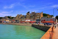 Cancale, Bretagne, France. Wanting some Oysters!  Some of the best oysters (and mussles) in the World.... Special recommendation: the Japan/Britanny fusion food at delicious Cafe Breizh...