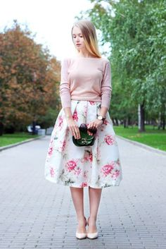 17 Ideas on how to wear a MIDI skirt according to your style - Methods for Flirting Modest Dresses, Modest Outfits, Skirt Outfits, Classy Outfits, Dress Skirt, Midi Skirt, The Dress, Edgy Outfits, Muslim Fashion