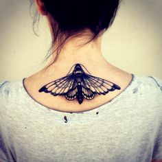 I would love to have a moth or butterfly right there.... gorgeous tattoo