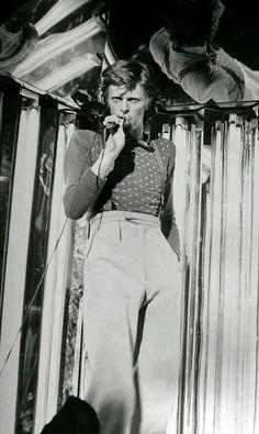 David bowie 1974 .