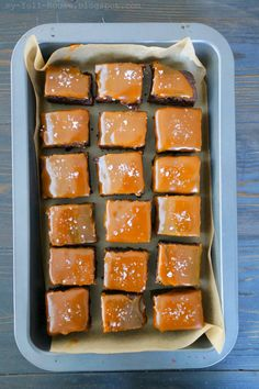 pyszne brownies z fantastycznym sosem karmelowym i solą morską