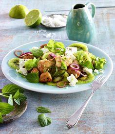 Unser beliebtes Rezept für Salat mit grüner Kiwi, Pute und Feta und mehr als 55.000 weitere kostenlose Rezepte auf LECKER.de.