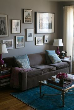 Gray themed living room: http://www.stylemepretty.com/living/2014/04/28/so-hautes-home-tour/   Photography: Bryce Covey - http://brycecoveyphotography.com/