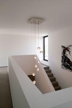 Bocci lamp, Feel at Home, vide,Zelfvoorzienend, BNE Architecten Staircase Lighting Ideas, High Ceiling Lighting, Home Lighting, Lighting Design, Staircase Design Modern, Home Stairs Design, Modern House Design, Home Interior Design, Flur Design
