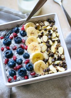 This gluten free breakfast power bowls recipe uses soaked quinoa and chia seed. These antioxidant rich bowls can help POWER you through a day! Recipe here!