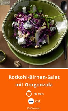 Red cabbage and pear salad - with gorgonzola - smarter - Calories: 268 kcal - Time: 30 min. Low Carb Recipes, Vegan Recipes, Pear Salad, Red Cabbage, Cabbage Salad, Eat Smarter, Salad Bowls, Plant Based Diet, Winter Food