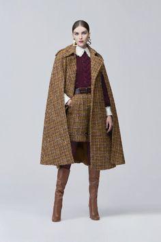 Suit Fashion, Modest Fashion, Runway Fashion, Fashion Show, Fashion Looks, Fashion Outfits, Womens Fashion, Fashion Trends, Look 80s