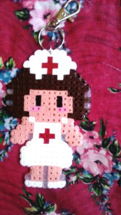 Porte-clés Infirmière en perles Hama à repasser ) réalisé à la main