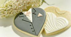 Honeycat Cookies: Groom on a heart cookie tutorial