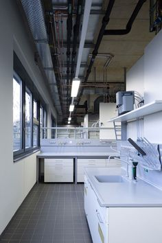 KSG adds textured walls to university chemistry lab in Aachen