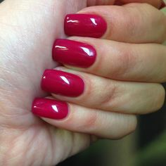 Creamy Red / Gelish Rendezvous