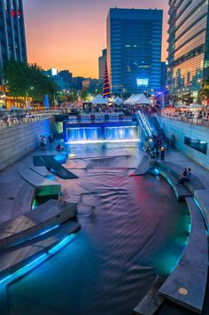 Cheonggyecheon in Seoul, Korea . South Korea's 🇰🇷 South Korea Seoul, South Korea Travel, Asia Travel, Seoul Travel Guide, Places Around The World, Around The Worlds, Seoul Photography, South Korea Photography, Places To Travel