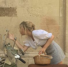 Roadworthy, Hungry and Mean: Photo European Summer, Italian Summer, Labo Photo, Surfergirl Style, Mode Collage, Paris Chic, Summer Aesthetic, My Vibe, Mode Vintage