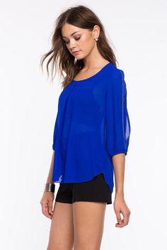 Блуза с камнями на рукавах Размеры: S, M, L, XL Цвет: ярко-синий, черный, белый Цена: 1353 руб.  #одежда #женщинам #блузы #коопт