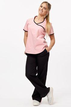 Jazmín Poly BIS rosa con negro Pyjamas, Beauty Uniforms, Medical Scrubs, Nurse Scrubs, Moda Casual, Filipina, Scrub Tops, Jumpsuit, Fancy