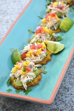 Pulled Chicken Tostones Bites - I am a Honey Bee - Best finger food list Best Appetizers, Appetizer Recipes, Banane Plantain, Boricua Recipes, Plantain Recipes, Cooking Recipes, Healthy Recipes, Top Recipes, Healthy Dinners
