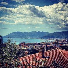 Liguria – una genovese in riviera.  Testi e immagini di Livia Bortolotti