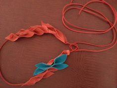 Kırmızı & turkuaz deri kolye