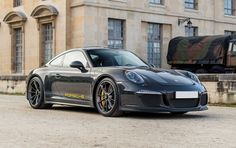 If you're going to pay over sticker for a 911 R, this is the one you should buy.