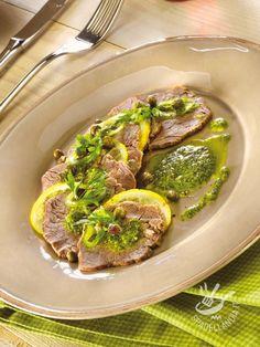 Se è vero che per un buon Bollito di manzo ci vuole tempo, è anche vero che con la salsa verde, una volta fatto, è irresistibile!