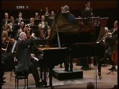 © Beethoven's 5th Piano E-flat major, Op. 73 (Emperor) - Daniel Barenboim (whole concert)