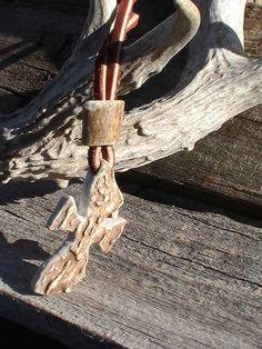 Antler Cross Necklace Deer Antler Jewelry, Deer Antler Crafts, Antler Ring, Antler Art, Antler Necklace, Bone Jewelry, Spoon Jewelry, Bone Crafts, Wooden Crosses