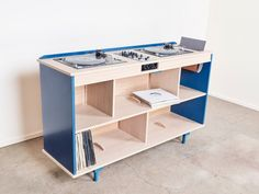 Depuis quelques mois la capitale accueille un nouvel atelier de design artisanal inspiré et magnétique. Paul Demarquet et Albane Salmon s'unissent en septe