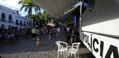 Delegacia móvel reforça atendimento de foliões em Olinda - http://anoticiadodia.com/delegacia-movel-reforca-atendimento-de-folioes-em-olinda/