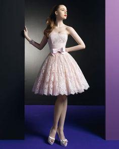 Nuestros favoritos: 10 vestidos de novia cortos para una boda civil Image: 1