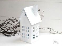 Großes Windlicht Haus - weiß